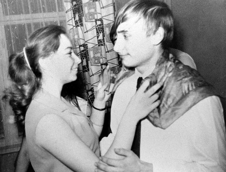Putin dancing with a classmate in 1970